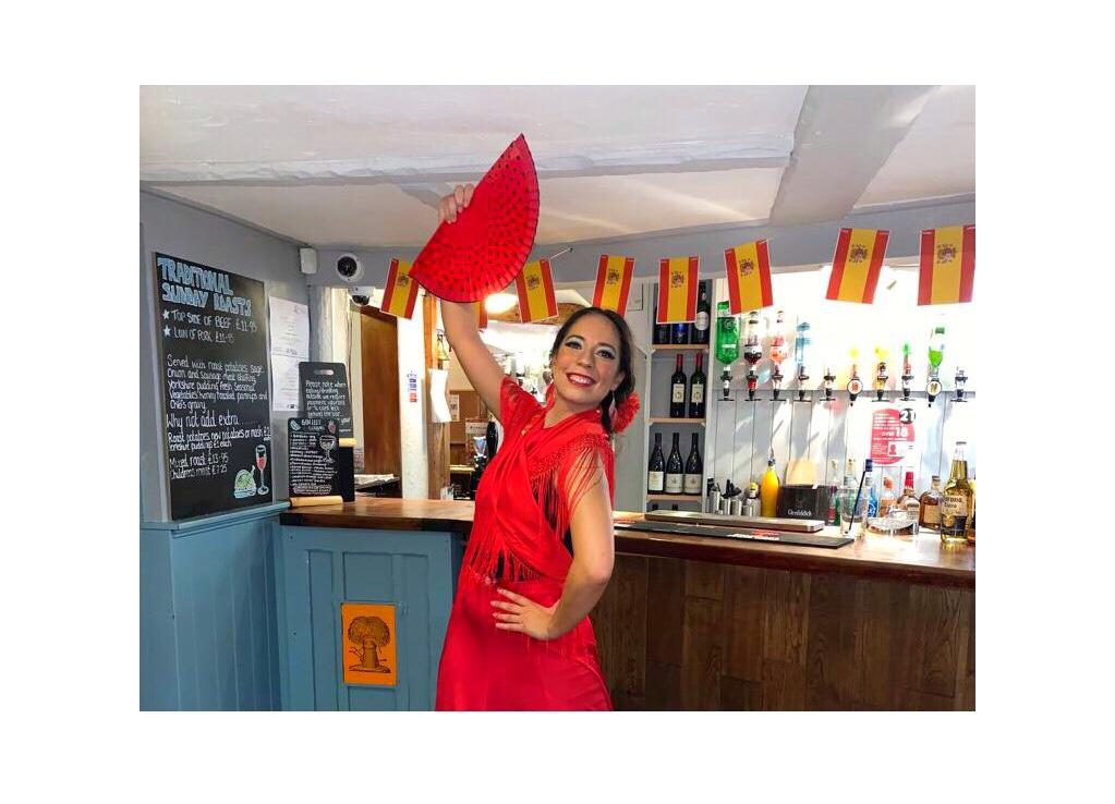 Flamenco dancer Lucia Schweigert Spanish theme pub night