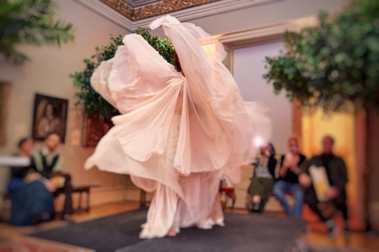 Lucia Schweigert Loie Fuller Dancer Royal Academy of Arts; photo: Justine Trickett