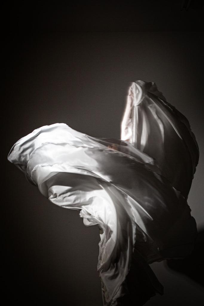 Lucia Schweigert Loie Fuller inspired dance performance Photo: Liz Gorman